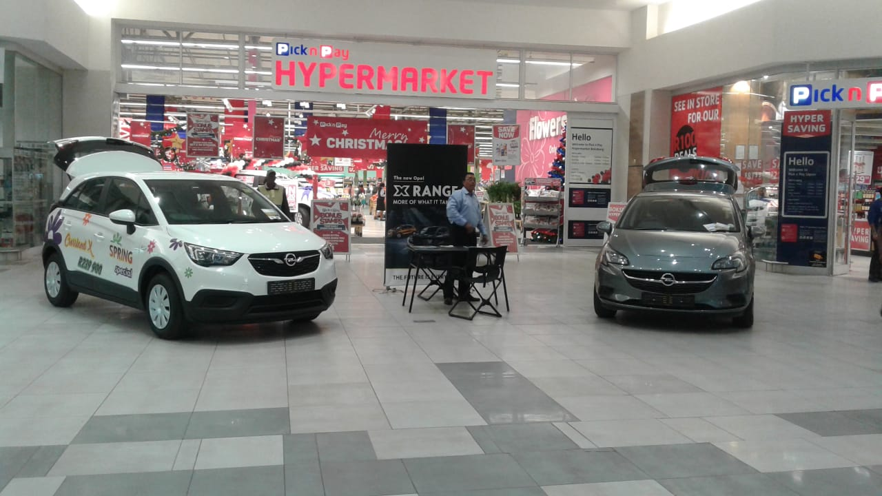 Ford Mall Advertising